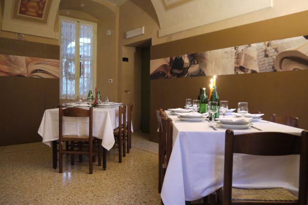 Seminar und g stehaus villa pace in gussago for Sedia a rotelle automatica